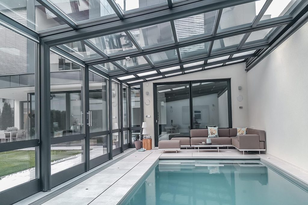 Privater_Pool_ZoomRoom_03_1500x1000